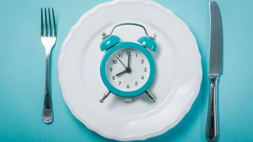 assiette vide jeûne intermittent